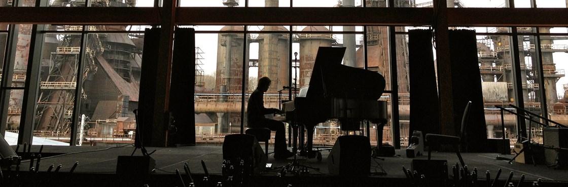 Teitur-piano-industry-view.jpg