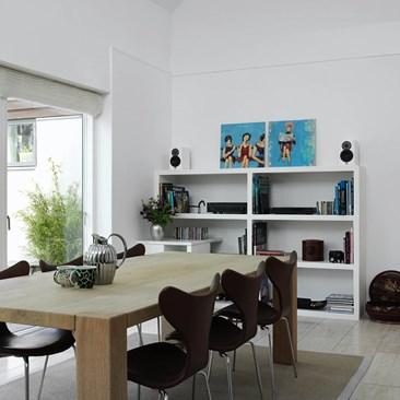 DALI-MENUET-white-grille-interior-04.jpg