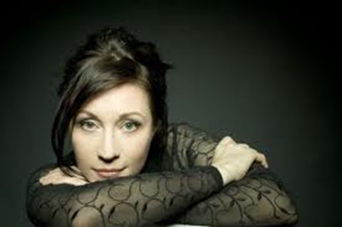 Holly Cole - Train Song