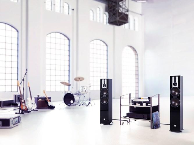 DALI-OPTICON-6-Black-MUSIC-UG.jpg