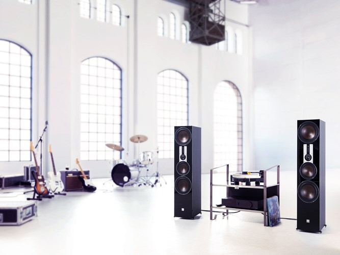 DALI-OPTICON-8-Black-MUSIC-UG.jpg