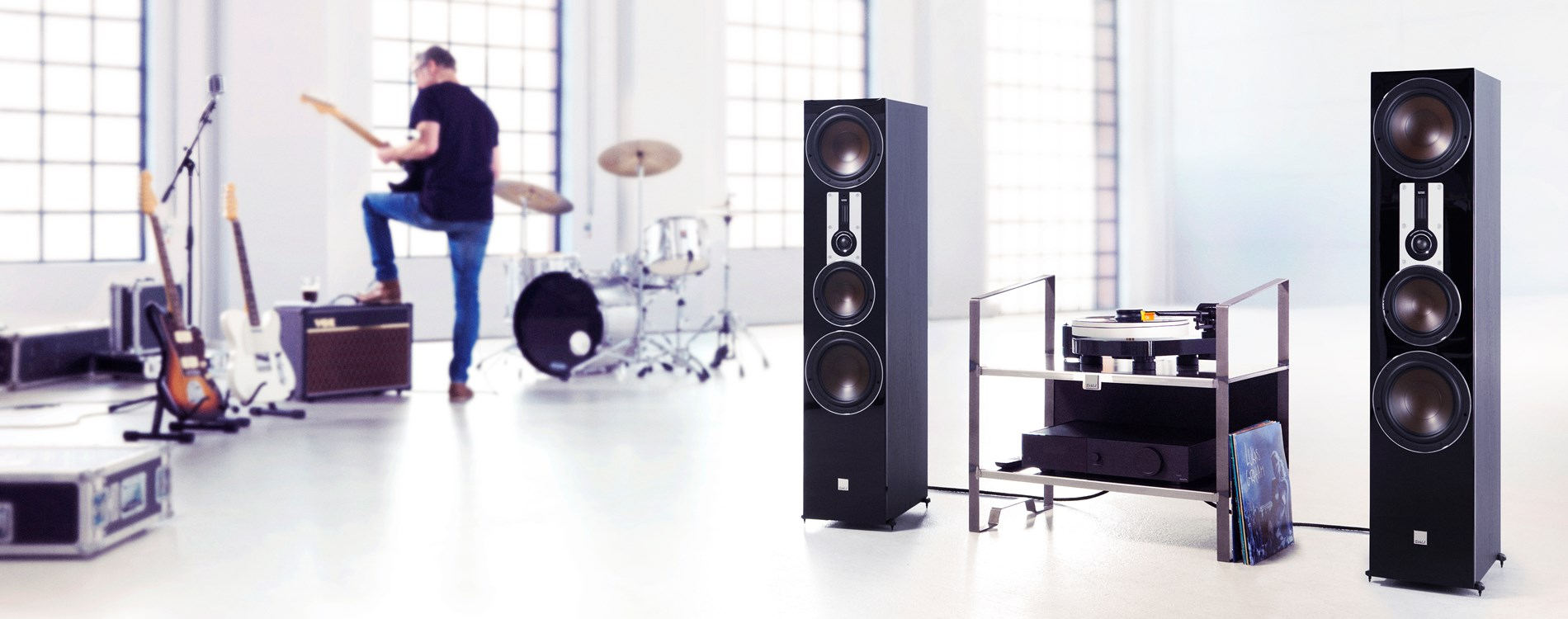 DALI-OPTICON-8-Black-MUSIC-MG.jpg