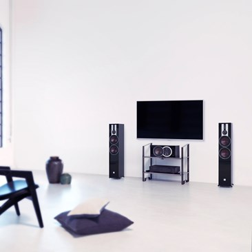 DALI-OPTICON-6-Black-TV-interior.jpg