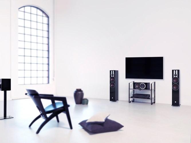 DALI-OPTICON-6-Black-TV-interior.jpg