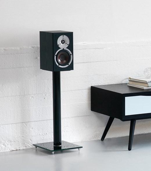 SPEKTOR-2-Black-Stereo-Stand.jpg