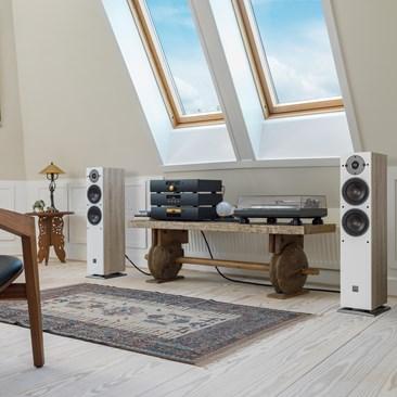 OBERON-5-Oak-stereo.jpg