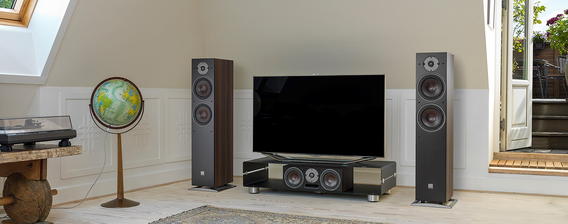 OBERON-7-Walnut-grille-TV-setup.jpg