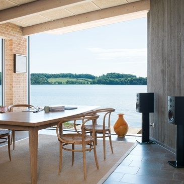 CALLISTO-2-C-Black-Ash-Dining-Room.jpg