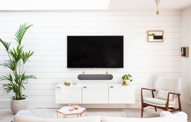 DALI-KATCH-ONE-Living-Room-white.jpg