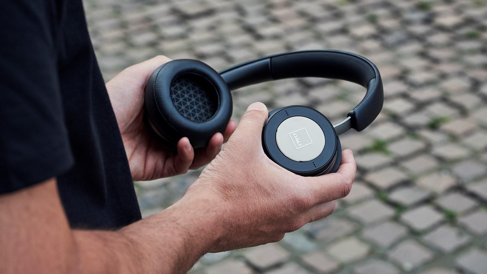 Dali Io 6 Wireless Noise Cancelling Hi Fi Headphones