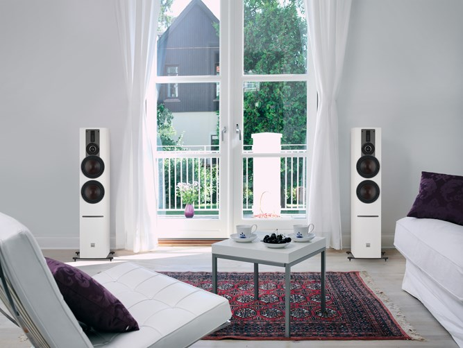 RUBICON 6 C White Livingroom